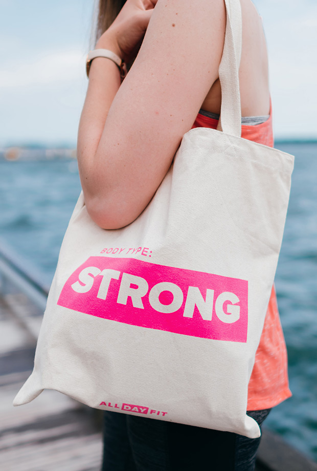 body-type-strong-tote